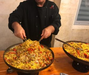 נודלס חם עם ירקות מתוך תפריט קייטרינג בשרי כשר לאירועים קטנים - הד שף